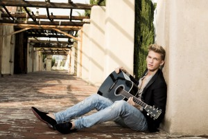 Cody-Simpson-Main-Pub-2-Photo-Credit-Glenn-Nutley-300x201